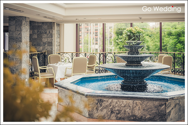 求婚餐廳,台北求婚餐廳,求婚,台北君悅酒店寶艾西餐廳,求婚包廂,戶外露臺,君悅酒店,君悅,寶艾西餐廳,地中海歐風庭園,室內噴泉,中庭天窗